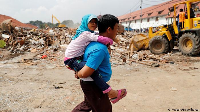 Indonesien Zerstörung von illegal errichteten Häusern in Luar Batang Jakarta