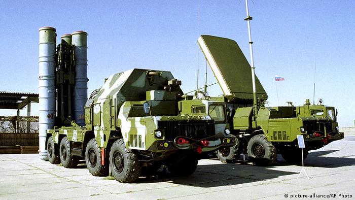 إيران تتسلم الشحنة الأولى من نظام الدفاع الجوي الروسي اس-300