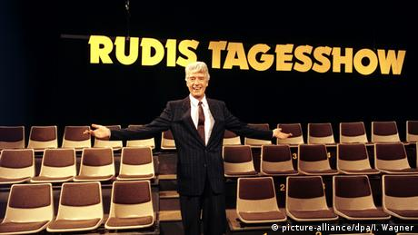 Rudi Carrell on his show Rudis Tagesshow, Copyright: picture-alliance/dpa/I. Wagner