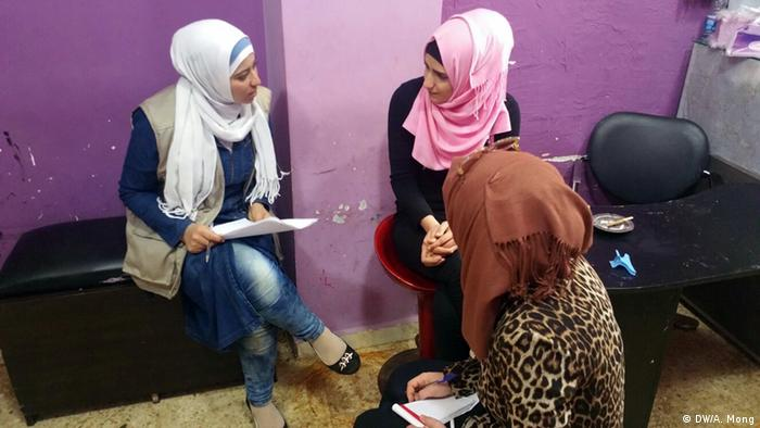 Interview with a Shatila resident in a local shop