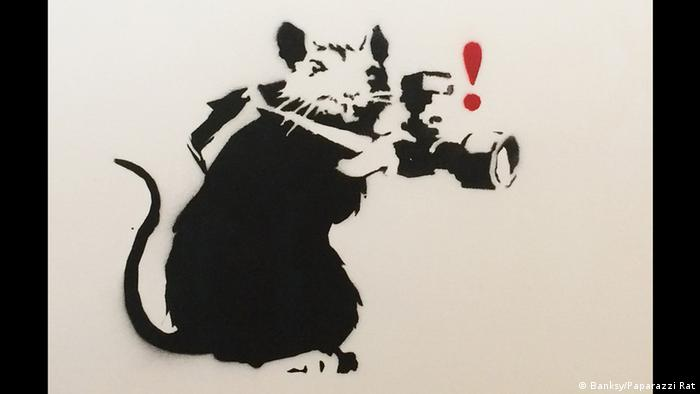 München Banksy-Ausstellung King of Urban Art in der Galerie Kronsbein Paparazzi Rat