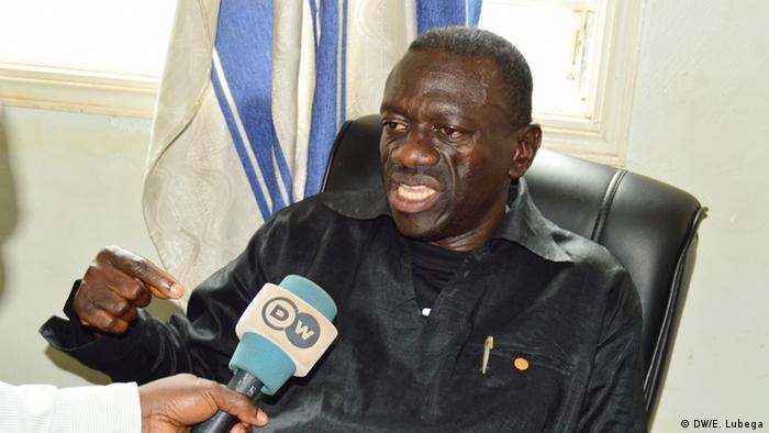 Uganda′s Besigye court appearance on treason charges delayed | Africa | DW | 01.06.2016