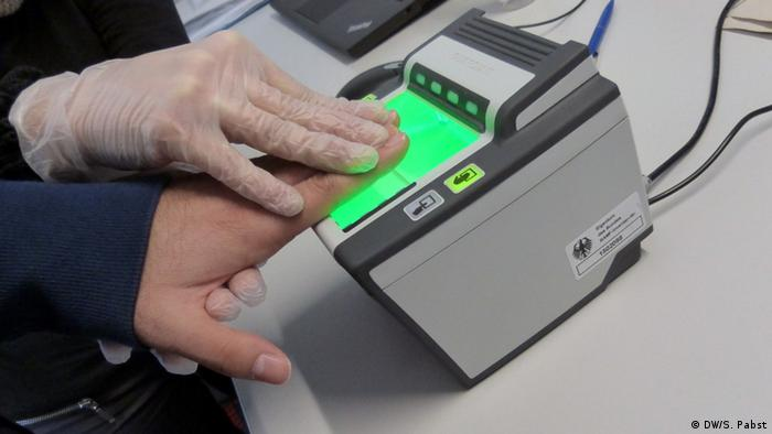 Fingerprints - registering asylum seekers