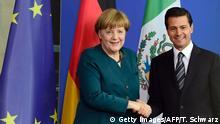 Berlin Enrique Pena Nieto besucht Angela Merkel