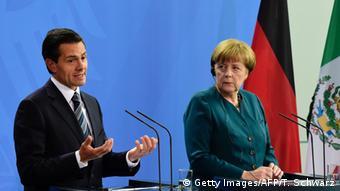 Enrique Peña Nieto y Angela Merkel en Berlín. (Archivo).