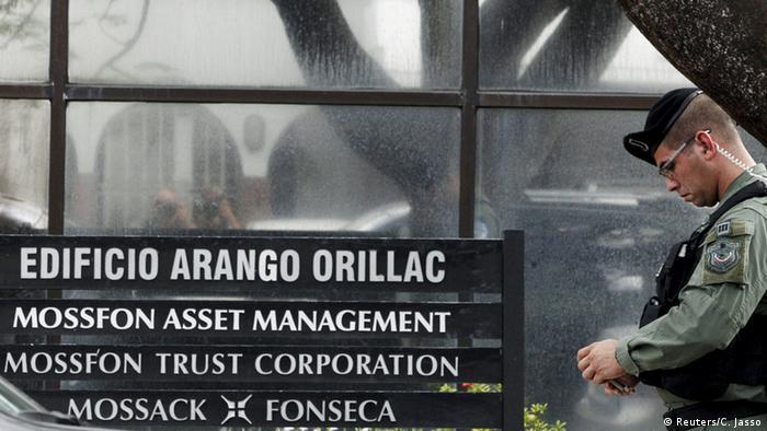 Panama Stadt Ermittler durchsuchen Kanzlei Mossack Fonseca (Reuters/C. Jasso)