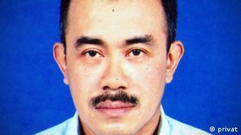 Aris Santoso, sejak lama dikenal sebagai pengamat militer, khususnya TNI AD. Kini bekerja sebagai editor buku paruh waktu.