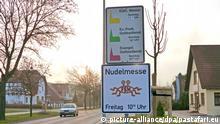 Kirche der fliegenden Spaghettimonster Schild Nudelmesse Templin Deutschland