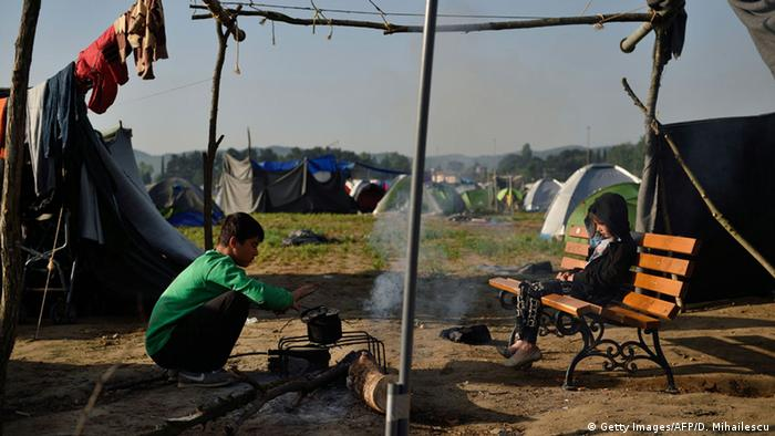Griechenland Flüchtlinge in Idomeni (Getty Images/AFP/D. Mihailescu)