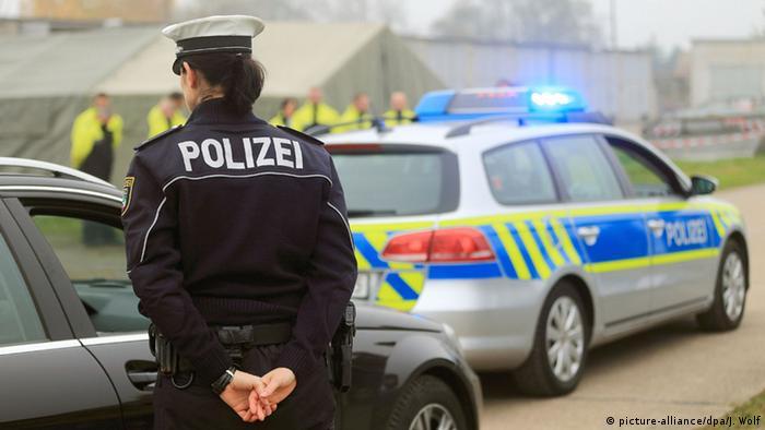 Deutschland Sachsen Polizei (picture-alliance/dpa/J. Wolf)
