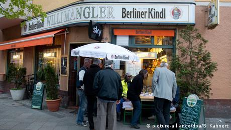 Deutschland Eckkneipe Willi Mangler in Berlin