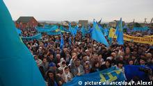Krimtataren Protest in Kiew Flagge