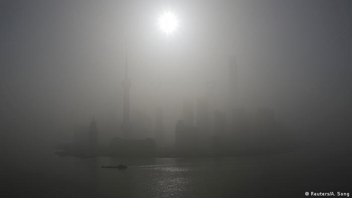 China Smog in Shanghai
