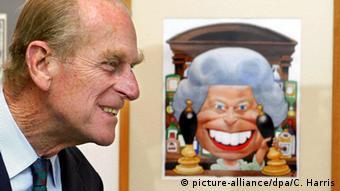 Großbritannien Prinz Philip und Karikatur von Queen Elizabeth II