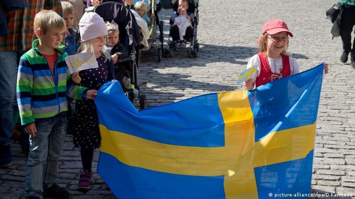 Kindergarten Kinder Schweden Fahne Flagge Würzburg Besuch Königin Silvia von Schweden