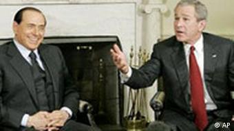 Präsident Bush besucht Berlusconi in Italien