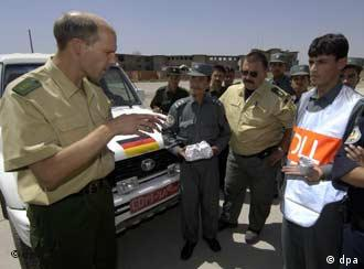 German police officers training Afghan colleagues