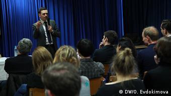 Илья Яшин представляет в немецкой столице доклад Угроза национальной безопасности
