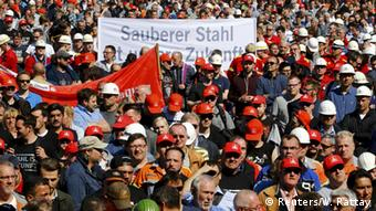 Steelworkers protest in Duisburg
