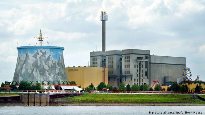 La planta nuclear Kalkar tendría que haber generado electricidad y plutonio, pero nunca se puso en marcha. Costó más de seis mil millones de euros y es en la actualidad un parque.