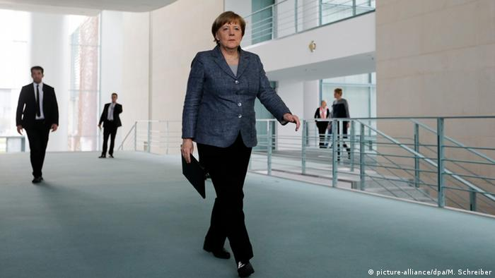 Cancelara Angela Merkel a fost invitată de Trump la Washington