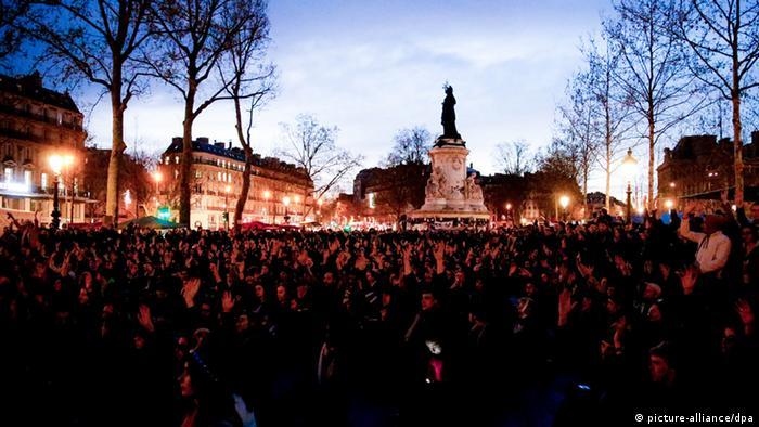 Paris Nuit Debout (picture-alliance/dpa)