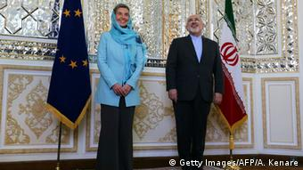 Iran EU-Außenbeauftragte Federica Mogherini & Mohammad Javad Zarif (Getty Images/AFP/A. Kenare)