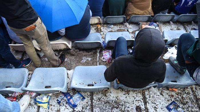 Iran Müll im Azadi Stadion