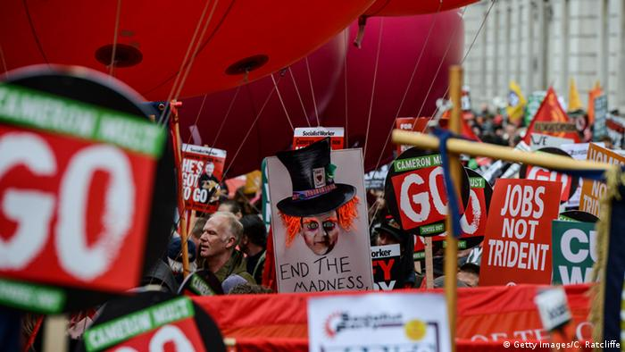 London Proteste gegen Camerons Sparpolitik (Getty Images/C. Ratcliffe)