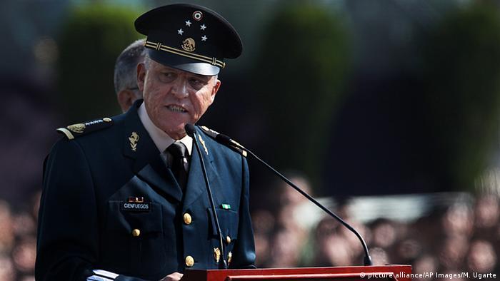 Mexiko Salvador Cienfuegos in Mexico City (picture alliance/AP Images/M. Ugarte)