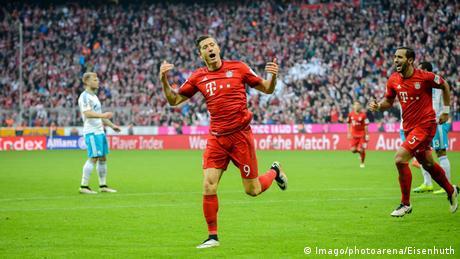 Bundesliga FC Bayern Muenchen - FC Schalke 04 Robert Lewandowski