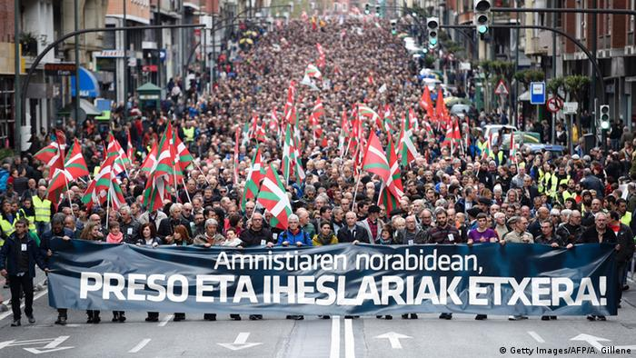 Spanien Bilbao Demonstration ETA (Getty Images/AFP/A. Gillene)