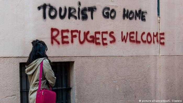 Spanien Mallorca Graffiti Tourist go home (picture-alliance/dpa/C. Cladera)