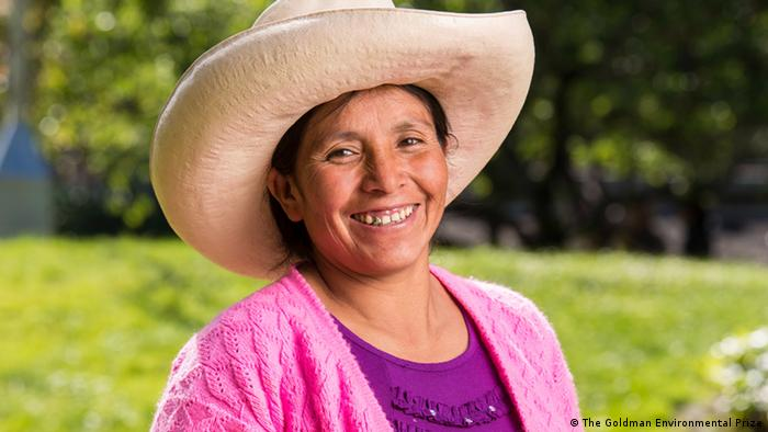 Máxima Acuña, campesina y activista ambientalista peruana.