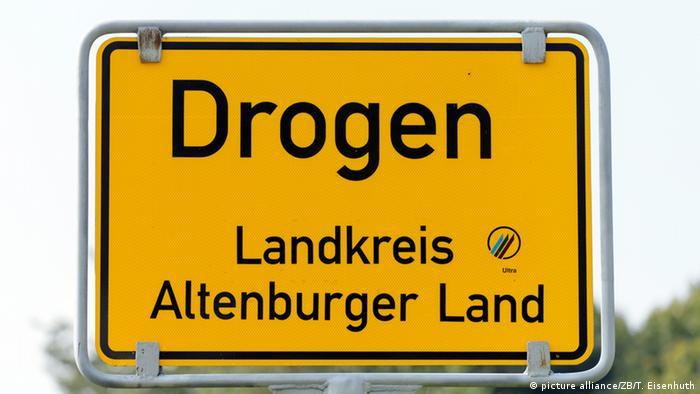 Placa da localidade Drogen, drogas em alemão
