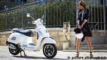 Zur Bildergalerie Vespa Italy - April 11, 2016 VESPA PIAGGIO Next April 23, 2016 the most beloved scooter Vespa by Italian Piaggio Group will celebrate its 70th birthday. VESPA GTS Super Copyright: picture alliance/ROPI