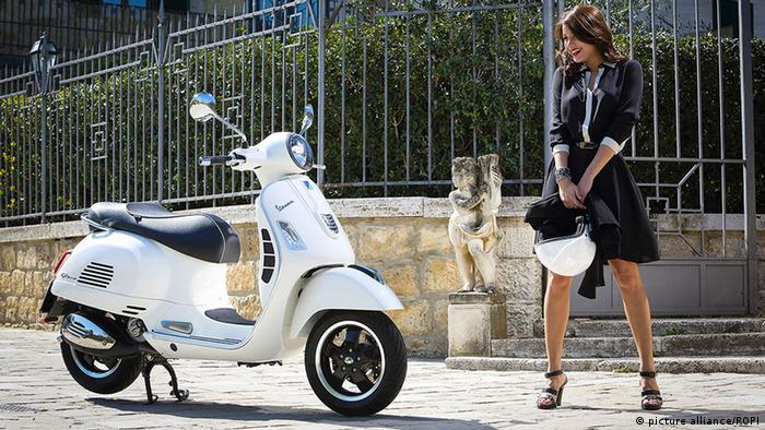 reputable site 86647 90a04 Dolce Vita Style - The Vespa motor scooter turns 70 years ...
