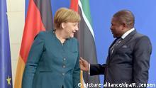 Berlin Präsident Mosambik Nyusi bei Merkel