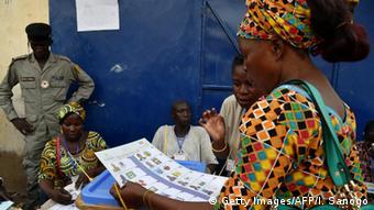 Tschad Wahlen Wählerin in N'Djamena