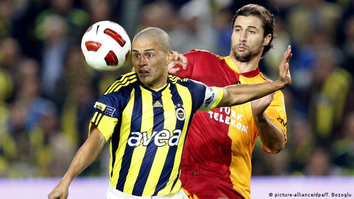 Türkei Galatasaray Istanbul Fenerbahce Istanbul Alex de Souza Lorik Cana
