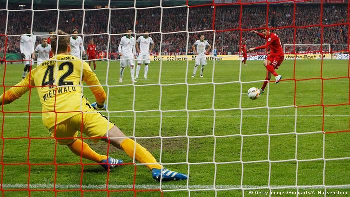 DFB-Pokal Halbfinale FC Bayern München vs Werder Bremen Elfmeter