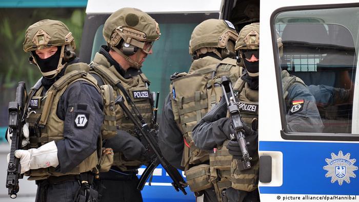GSG 9 policemen in training