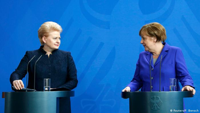 Президентка Литви Даля Грибаускайте (ліворуч) та канцлерка Німеччини Анґела Меркель