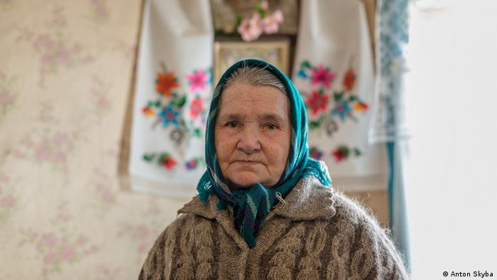 Maria Prokopiwna in Tschernobyl (Foto: Anton Skyba)