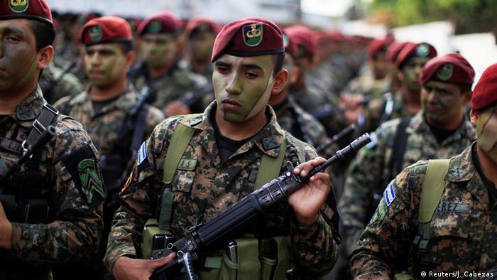 Unidades de élite son desplegadas para reducir la violencia de las pandillas.