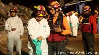 Ecuador Erbeben Suche nach Verschütteten