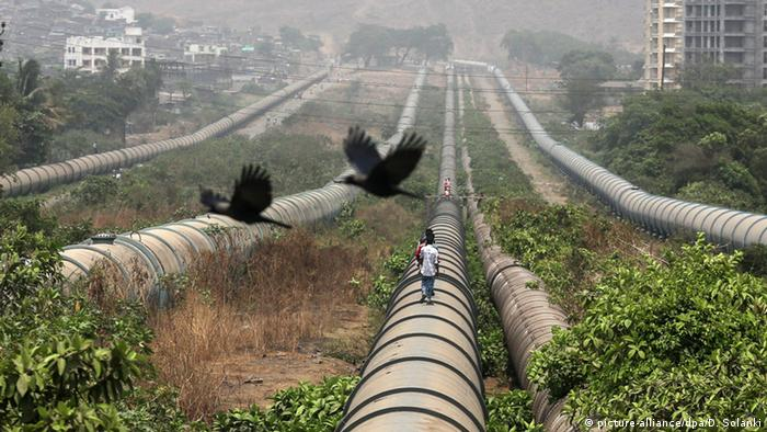 بھارت ميں تیرہ کروڑ افراد آلودہ پانی پینے پر مجبور