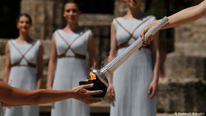 В Греции зажгли олимпийский огонь