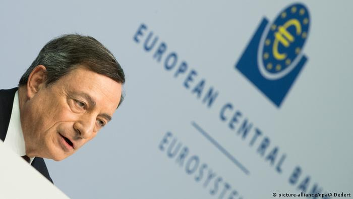 Mario Draghi EZB PK Frankfurt am Main (picture-alliance/dpa/A.Dedert)