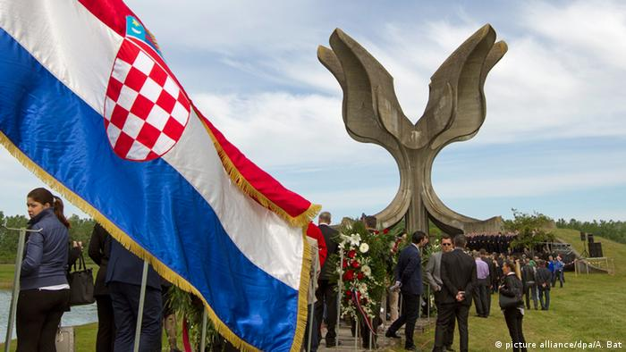 Kroatien Monument Jasenovac (picture alliance/dpa/A. Bat)